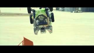 Trolol - Piloto faz carro «voar» em parafuso e bate recorde!