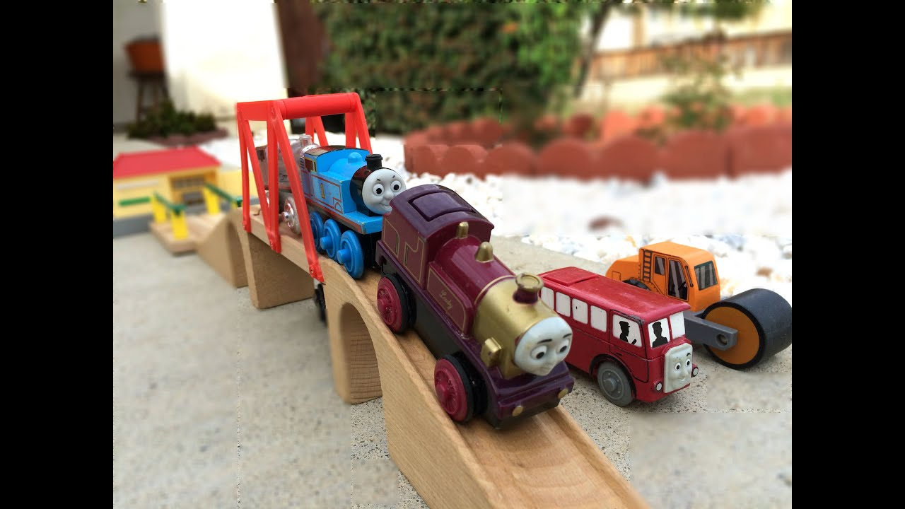Thomas And Friends Motorized Toy Trains On Wooden Track