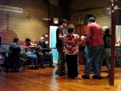 "The Traveling Waves play ""Irish Cobbler"" at Elsah Community Dance"