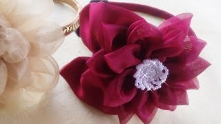 Como fazer tiara de natal/flor de fuxico