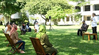 Presiden Jokowi Berikan Bantuan Modal Kerja, Halaman Tengah Istana Merdeka, 30 September 2020