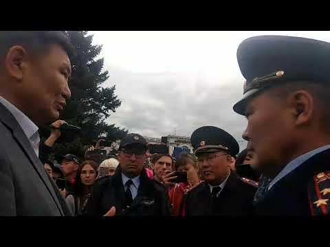 Мархаев и полицейский