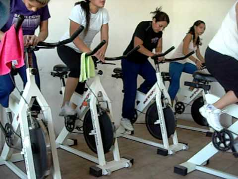 Gimnasio la torre clase de spinning youtube for Clases de spinning