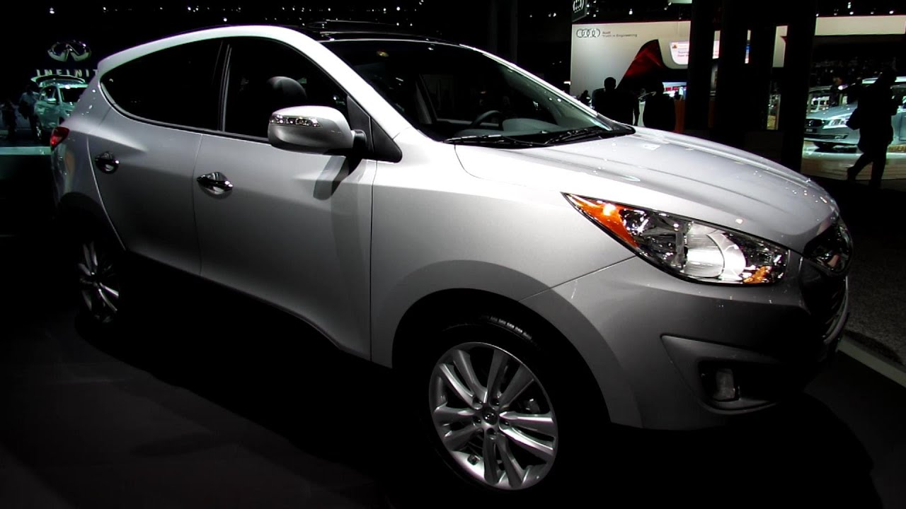 2013 hyundai tucson limited awd exterior and interior walkaround 2013 new york auto show. Black Bedroom Furniture Sets. Home Design Ideas
