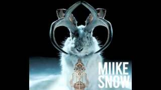 Miike Snow: A Horse Is Not a Home (Blur: Song 2 Remix)