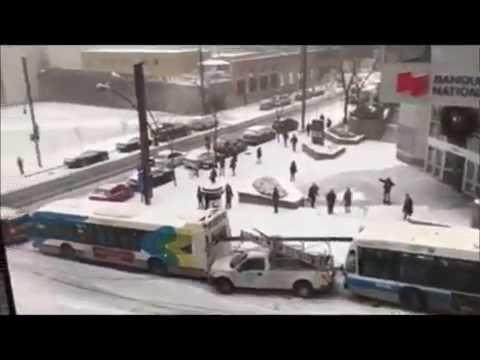 Montreal snow driving crash fail [2016-12-05]