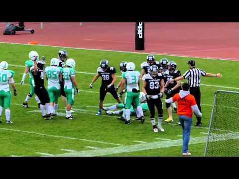 Karel Augusta kick off tackle