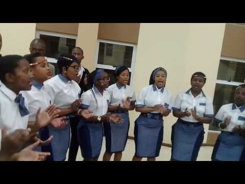 Bethusile Mcinga Retsepipe wena ft Banabamoya clap and tap musical group Hermanus
