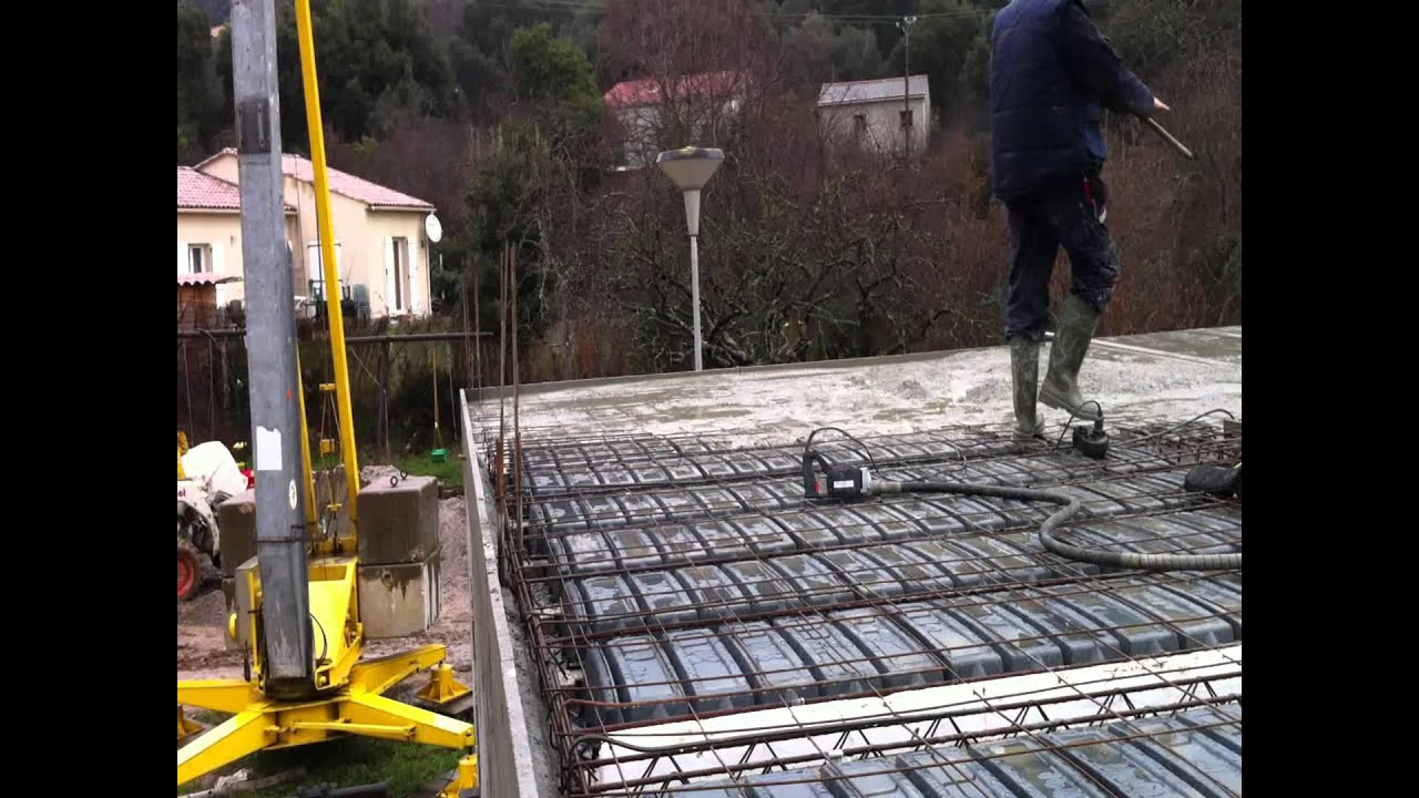 Coulage dalle beton 2 youtube - Coulage de dalle beton ...