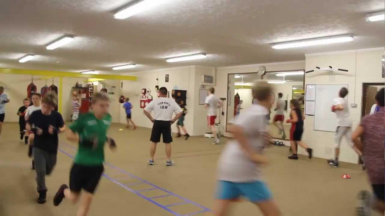Titchfield boxing club youtube for Boxing club salonais
