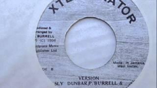"Xterminator Record Versión Sly Dunbar Philip ""Fatis"" Burrell & D.Denis"