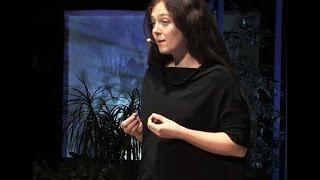 Jak w jedną noc znaleźć sens życia i pójść swoją drogą | Natalia Bażowska | TEDxKatowice