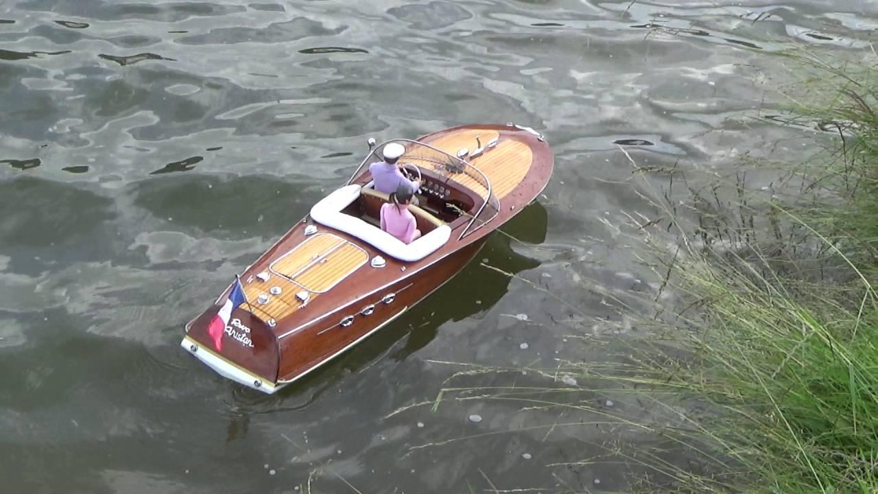 lacmn 2016 rc le bateau maquette riva ariston de guy mod le r duit radiocommand youtube. Black Bedroom Furniture Sets. Home Design Ideas