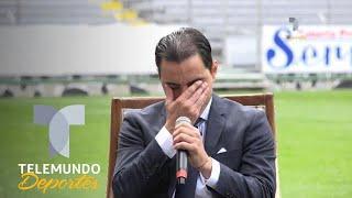 Omar Bravo rompe en llanto tras anunciar su retiro del fútbol | Telemundo Deportes