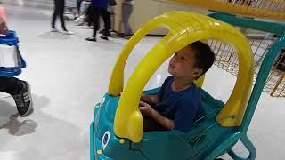 家樂福 | kids playground|車子|玩具車|玩具|孩子們的遊樂場|5歲