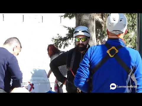 VÍDEO: El Coso acoge una exhibición y prácticas de escalada y Slackline