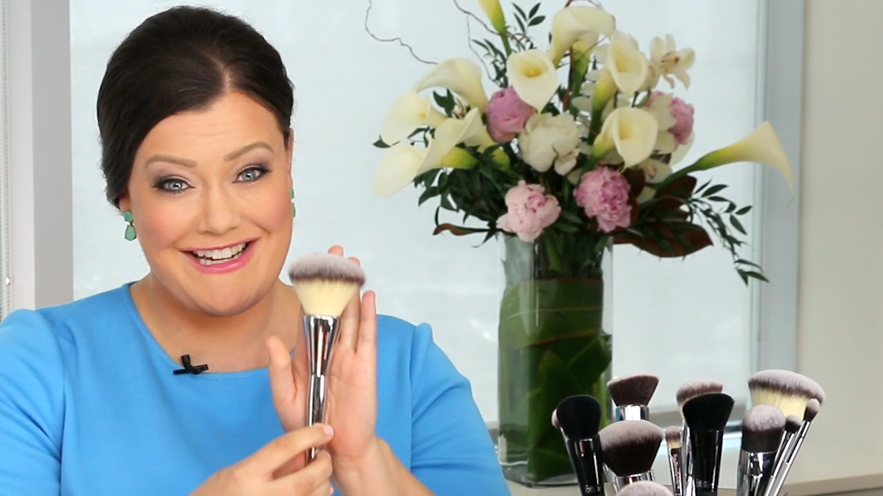 It Cosmetics x ULTA Love Beauty Fully Complexion Powder Brush #225 by IT Cosmetics #8