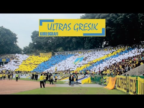 Kereenn!!! Koreografi kertas dari ULTRAS GRESIK |22 April 2017|