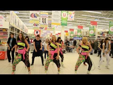 K-POP Flashmob 2013 by Dialog Entertainment
