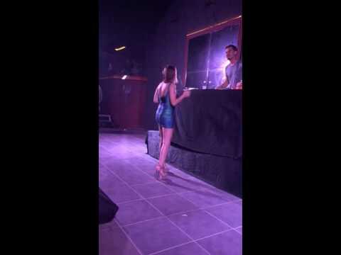 Merve Özbey çekici dans. Erdem Kınay.