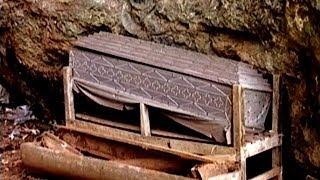Indonesien - Sulawesi - Totenkult der Toraja - Grabstätten Bestattung