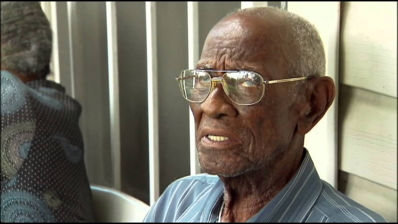 Richard Overton meets Rick Perry | Austin, TX 2013 - YouTube