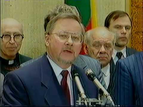 1992 m. Lietuvos Respublikos Konstitucijos priėmimas ir pasirašymas