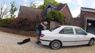TAXI 406 - Fitting the rear spoiler timelapse