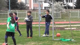 10-годишно момиче - капитан на футболен отбор