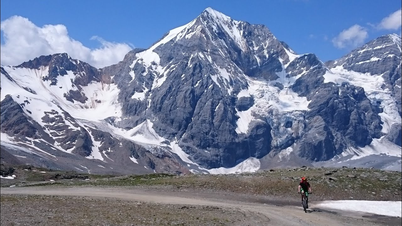 Die 5 spektakul rsten mountainbike touren der alpen youtube for Die kuche der alpen