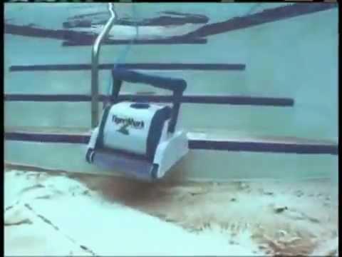 robot piscine tiger shark youtube. Black Bedroom Furniture Sets. Home Design Ideas