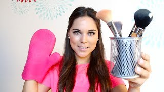 MAKEUP BRUSHES, their use & how to clean them! Thumbnail