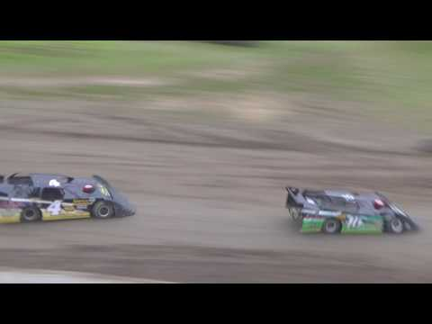 20. Late Model Heat Race #2 at I-96 Speedway, Michigan on 05-26-17.