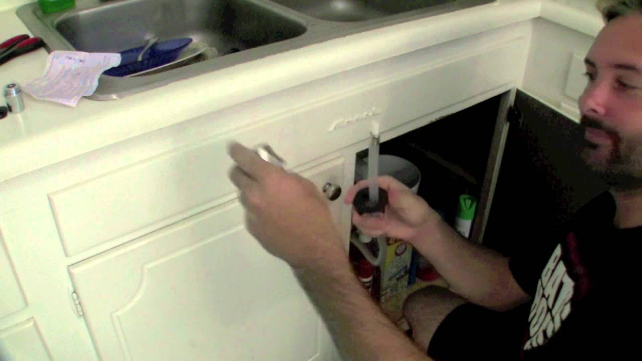 Replacing the Kitchen Sink Spray Nozzle - YouTube