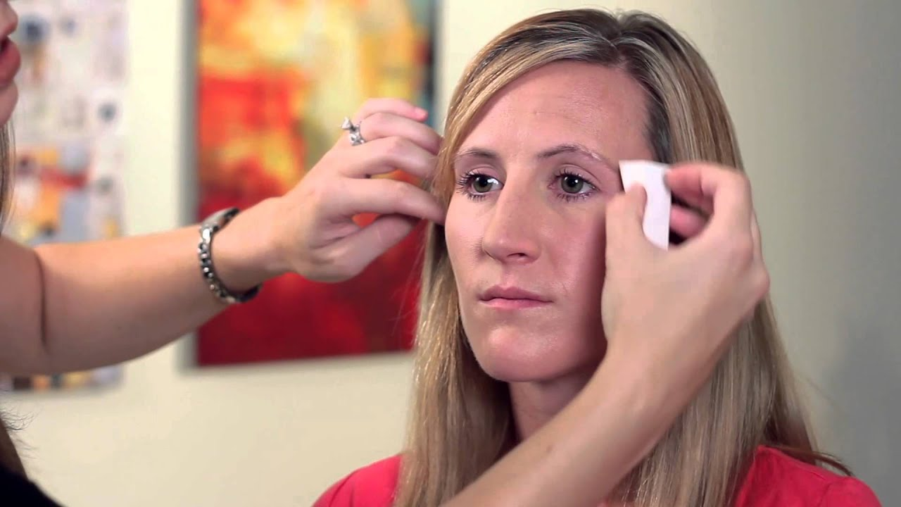 How to Hide Wrinkles with Makeup