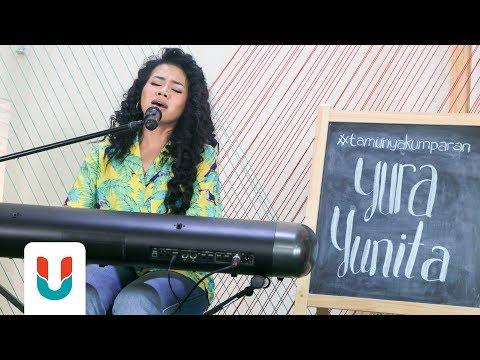 Yura Yunita - Intuisi | Live At Kumparan