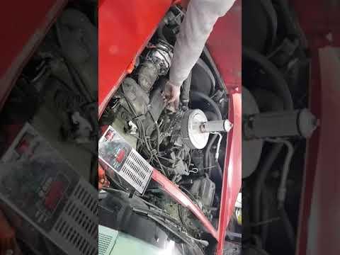 Corvette C3 1978 r / praca silnika