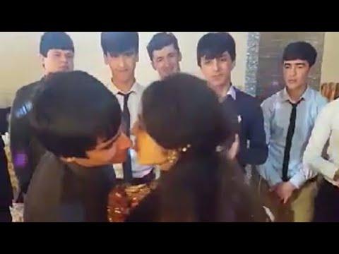 Как поцелуйет  Таджичка