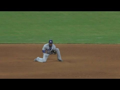Hanley tries to drop liner for double play