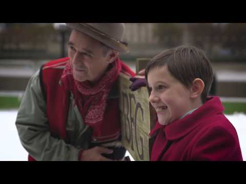 The BFG  Mark Rylance & Ruby Barnhill revisit giant country at Tower Bridge!