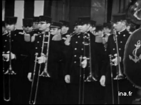 """Les troupes de marine """"la marche de Saint Cyr"""""""