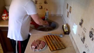 Мясо в духовке. Вкуснятина. 在烤箱的肉。美味。The meat in the oven. Yummy.