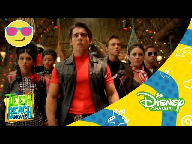 Disney Channel España | Teen Beach Movie DCOM ON THE SET - Bikers and Surfers Videos De Viajes