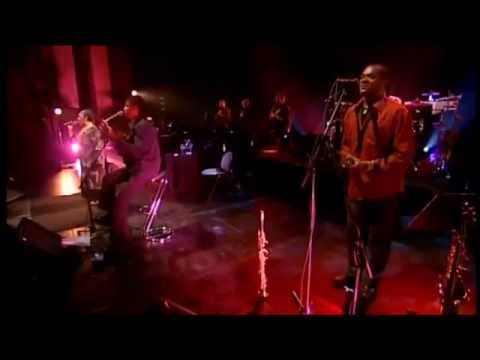 Cesária Évora : Angola (Live @ the Grand Rex, Paris.)