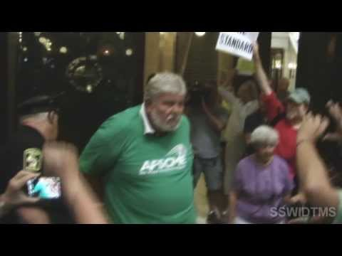 Marty Beil Executive Director of AFSCME WI & 4 others arrested in 45 seconds