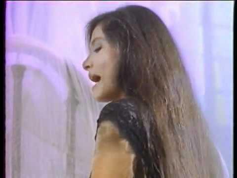 Quiero amanecer con alguien (Daniela Romo).flv