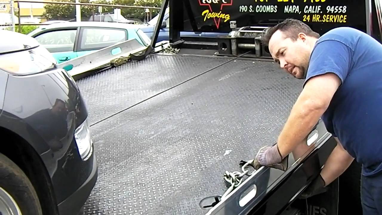 Flatbed Tow Truck >> Towing A 2011 Chevrolet Volt With A Flatbed Tow Truck ...