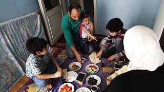 Syrian Exodus - Chapter three: 'Syrians torn between East and West'