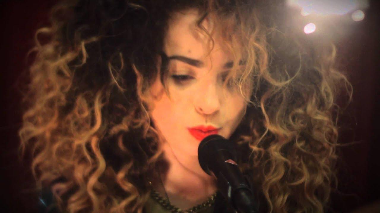 Studio Brussel Ella Eyre Good Luck Basement Jaxx Cover YouTube - Basement jaxx good luck