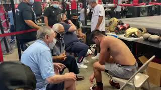 Big G gives advices to Jose Ramirez after sparring - Esnews boxing boxeo